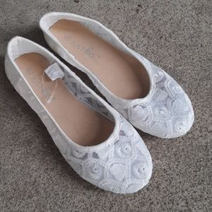 NWOT white lace flats